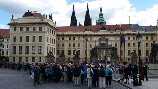 Colas de acceso al Castillo de Praga